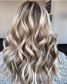 Cool 45 Top and Trending Hair Color Inspirations for This Winter. More at https://wear4trend.com/2017/12/31/45-top-trending-hair-color-inspirations-winter/