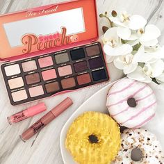 Sweets on sweets #toofaced 😍🍑🍩🍑🍩👌🏻 @sephorapolska #blueberryplacepl • Please tag @jerrodblandino & @toofaced in the comments so they can see it 🙏🏻🤗 Oznaczajcie @jerrodblandino i @toofaced w komentarzach 💕😊🇵🇱