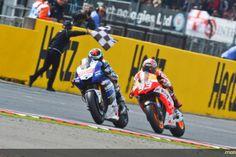 Não importa a categoria, a emoção é inerente; confira cenas incríveis de F-1, Indy, Stock e MotoGP!