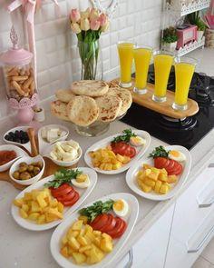 Plats Ramadan, Cooking Recipes, Healthy Recipes, Food Displays, Food Decoration, Breakfast Lunch Dinner, Food Platters, Food Goals, Cafe Food