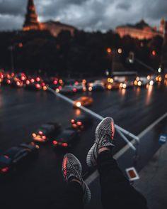 观看 @19tones 发布的照片 · 13.7K 次赞 Busy City, Times Square, Fashion Shoes, Instagram Posts, Travel, Viajes, Destinations, Traveling, Trips