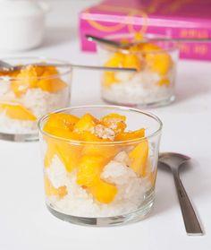 Dessert thaïlandais : riz gluant à la mangue et au lait de coco ou sticky rice mango