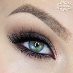 Love this gorgeous simple smokey eye look by @katosu using our Semi-Sweet Chocolate Bar Palette! #regram #chocolatebarpalette
