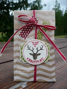 Megumi's Stampin Retreat: Very Merry Tags - Christmas Treat Bag