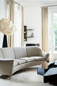 Gorgeous Paris renovation strikes balance between elegant and modern - Curbedclockmenumore-arrow : The home is located in Saint-Cloud, just six miles from the center of Paris Decoration Inspiration, Decoration Design, Interior Design Inspiration, Design Ideas, Style Inspiration, Home Interior, Interior Decorating, Decorating Ideas, Paris Home