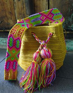 Micro Macramé, Boho Bags, Tapestry Crochet, Crochet Home, Knitted Bags, Embroidery Techniques, Yarn Crafts, Hand Knitting, Hand Weaving
