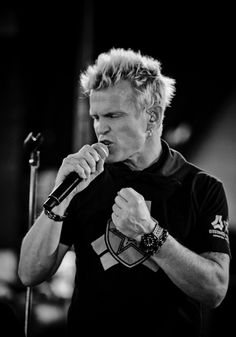 Billy Idol had an amazing voice as the lead singer of his music, with Steve Stevens his lead guitarist.