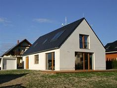 Rodinný dům ve Vraném čeká ještě úprava zahrady.