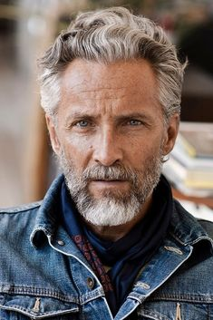 hair and beard styles 40 Amazing Silver Fox Hairstyles For Men Best Haircuts For Older Men, Older Mens Hairstyles, Cool Haircuts, Man Haircuts, Hair And Beard Styles, Short Hair Styles, Old Man Haircut, Silver Fox Hair, Silver Foxes Men