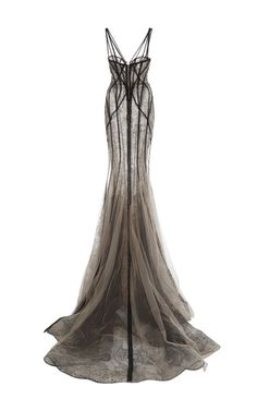 Tweets liked by 605 (@apt_605) / Twitter Gala Dresses, Ball Gown Dresses, Runway Fashion, Fashion Outfits, Womens Fashion, Pretty Dresses, Beautiful Dresses, Cooler Look, Dream Dress
