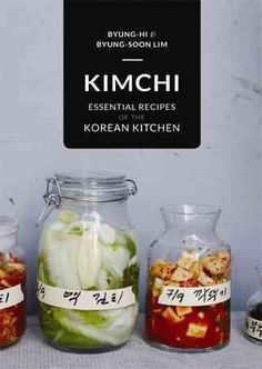 An essential cookbook for anyone who wants to explore the classic flavors of the Korean kitchen It is not possible to imagine Korea without kimchi. For thousands of years the lacto-fermented vegetable