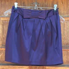 FREE w 2+ purchase FOREVER 21 Purple Mini Skirt Mention this skirt when make a purchase so I know to include. Must be part of 2+ bundle. This is a EUC Forever21 mini skirt, worn maybe a couple times. Size small = size 3/4 here as it fits me great. However a bit too young of a style for me. Forever 21 Skirts Mini