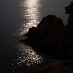 Black series #night #nocturne #nuit #landscape #mediterranean #mer #spain #catalunya #reflection #sea #seaside #moon #moonlight #dark #glitter #leica #leicaq #leicacamera #explore #wander #composition