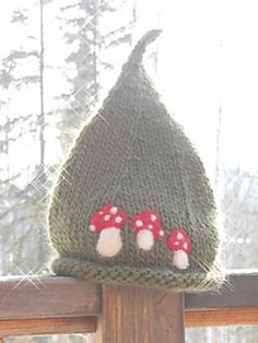 Ravelry: A Gnome's Hat pattern by Sun Daughter