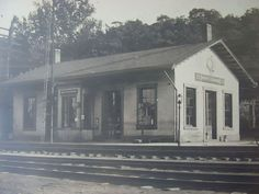c.1910 Photograph of South Lebanon,Ohio Railroad Depot B & O found on Ruby Lane