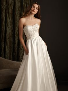 Satin Ball Gown Sweetheart Sleeveless Wedding Dress With Chapel Train AE2410