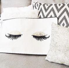 H&M lash pillow