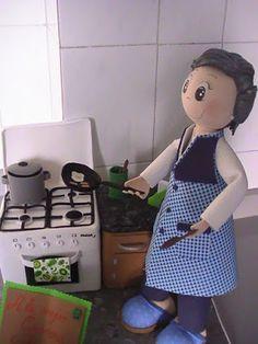Manualidades Belen: Madre de Rocio en la cocina