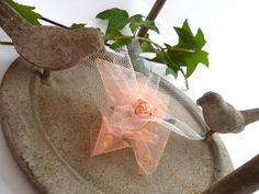Bijoux de cheveux épingle aérien fleurs rose corail : Accessoires coiffure par valierre Wedding Day, Reusable Tote Bags, Etsy, Pink Blossom, Flowers, Coral Pink, Unique Jewelry, Accessories, Pi Day Wedding