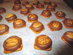 Rolo Pretzel Turtles, super easy dessert for the holidays