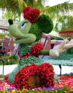 Disney's Minnie Mouse made of flowers omg love this