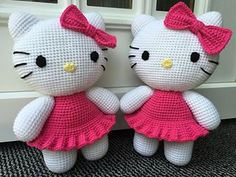 Hello Kitty on the photos was made from yarn Vlnap Lada Luxus (100g/230m) with a crochet hook size 4. Her height is 29 cm (11.4 inches).