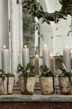 🌟Tante S!fr@ loves this📌🌟rough luxe christmas decor - Cindy Hattersley Design Natural Christmas, Noel Christmas, Rustic Christmas, All Things Christmas, Winter Christmas, Christmas Crafts, Christmas Decorations, Xmas, Holiday Decor