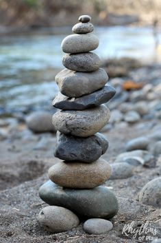 Rock balancing stone stacking art