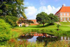 Hindsgavl, hovedgård ved Lillebælt 2 km vest for  Middelfart.