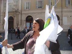 Distribuendo bandiere...quante volte l'ho fatto??? Troppe!!!