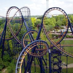 This was the first roller coaster I rode that went upside down i was 8 and I loved it!!