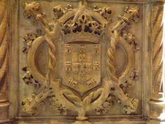 Escudo Português no Mosteiro dos Jerónimos em Belém, Lisboa, Portugal