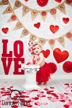 Ideas for photography kids girls newborn photos Valentine Mini Session, Valentine Picture, Valentines Day Baby, Valentines Day Pictures, Holiday Pictures, Valentine Backdrop, Valentine Decorations, Photography Kids, Photos Saint Valentin