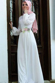Beyaz-tesettür-elbise-modeli