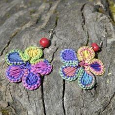 Boucles d'oreilles fleur en paille Fibres, Crochet Earrings, Jewelry, Ears, Boucle D'oreille, Locs, Flowers, Bijoux, Jewlery