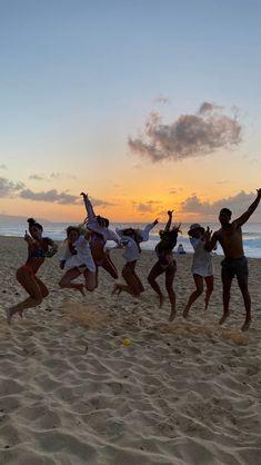 Beach Aesthetic, Summer Aesthetic, Flower Aesthetic, Travel Aesthetic, Summer Feeling, Summer Vibes, Summer Goals, Summer Dream, Best Friend Pictures