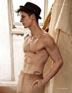 MODEL-HOMMES | Luke Hicks for Male Model Scene. PH: Nicole Jopek.
