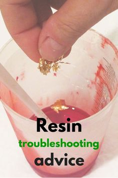 If you tried resin crafts, you have undoubtedly run into some problems. Never fear! This list of resin problems gives tons of suggestions for how to fix your mistakes next time to craft with resin.