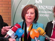 La Junta de Andalucía incorpora dispositivos de detección de caídas en su servicio de teleasistencia avanzada