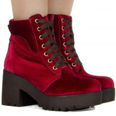 a71af83ccd Botas Femininas - Taquilla  Calçados femininos online