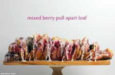 Mixed berry pull apart loaf is further proof that there's nothing canned biscuits can't do! Yummy Snacks, Yummy Food, My Favorite Food, Favorite Recipes, Canned Biscuits, Raspberry Filling, Monkey Bread, Pie Plate, Pull Apart
