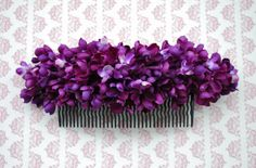 Beautiful big hair comb with purple lilac flowers vintage rockabilly style wedding 40s 50s fascinator