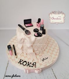 Make up by Bonboni Cake