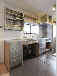 KITCHEN/counter/tile/pantry/キッチン/タイル/パントリー/フィールドガレージ/リノベーション/FieldGarage INC.