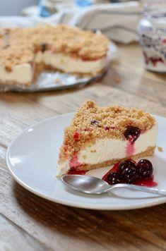 Sbriciolata cheesecake alle amarene Cheesecake, Biscotti, Macarons, French Toast, Deserts, Food And Drink, Breakfast, Ethnic Recipes, Sweet