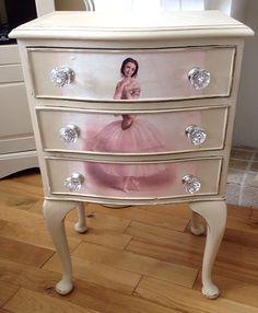 Ballerina Dresser