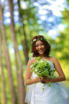 新郎新婦様からのメール 花冠の妖精 軽井沢の森の中で : 一会 ウエディングの花