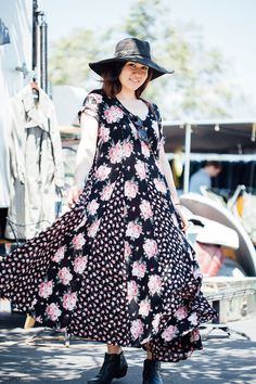 27 Rad Street-Style Snaps From L.A.'s Rose Bowl Flea Market #refinery29  http://www.refinery29.com/2015/05/87815/rose-bowl-flea-market-street-style-pictures#slide-27  Name: Nina SotoJob: WaitressSoto is a waitress, but today she's giving the tips: Give your patchwork dress and floppy hat a dose of toughness with a pair of well-worn black ankle boots.