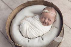 A sweet newborn grin. | Jewel Images Bend, Oregon Newborn Photographer www.jewel-images.com #newborn #photography #newbornphotographer #jewelimages