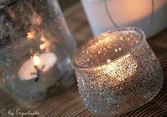 Jours de Bonheur: {DIY} Photophores en fête! Support Bougie, Christmas Time, Christmas Crafts, Christmas Carol, Christmas Ideas, Organizing Hacks, Creation Deco, Glitter Wedding, Votive Candles